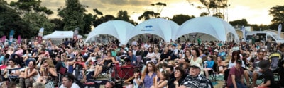 Konzerte mit fliegenden Bauten